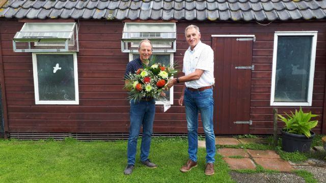 J.H. (Jan) van t Land Naarden wint duifkampioenschap ochtendlossing over 3 jaar